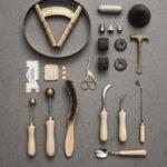 Materialen hoedenontwerpster